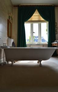 Carlton House bathroom